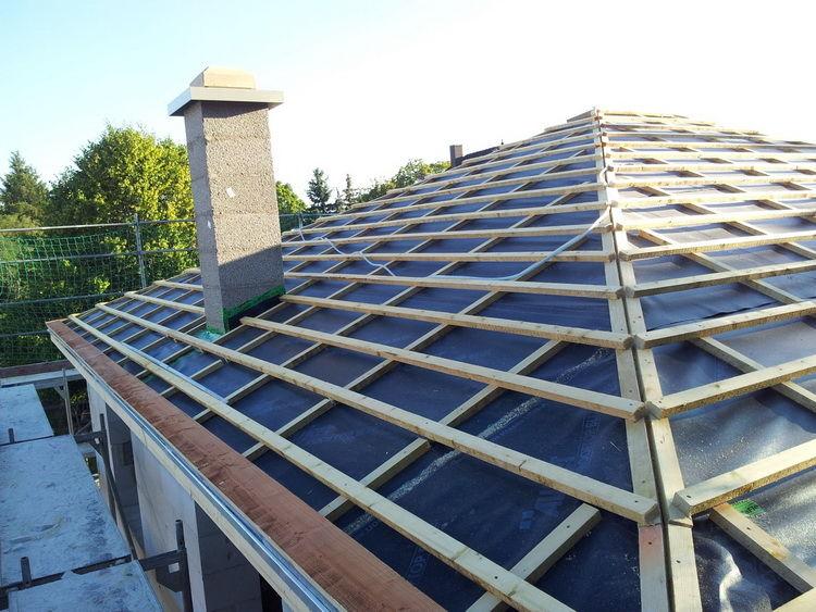 четырёхскатная крыша монтаж контробрешетки