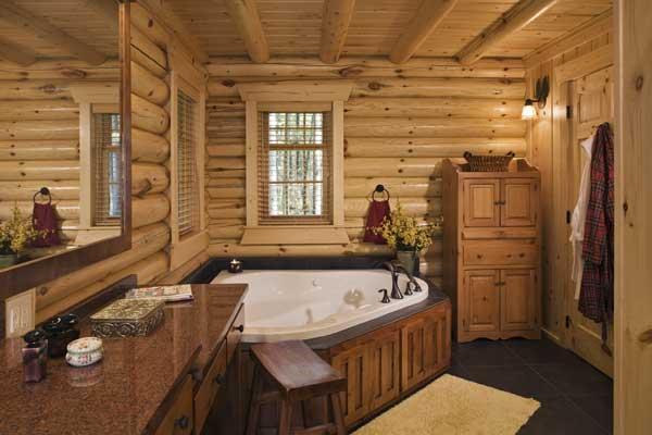 Деревянная ванная комната в деревянном доме